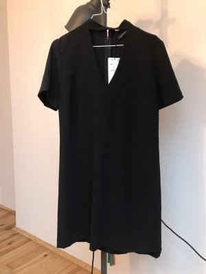 Schwarzes cocktailkleid