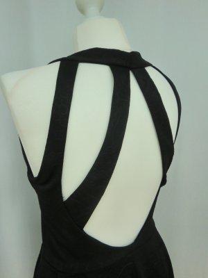 Schwarzes Cocktailkleid mit aufregendem Rücken