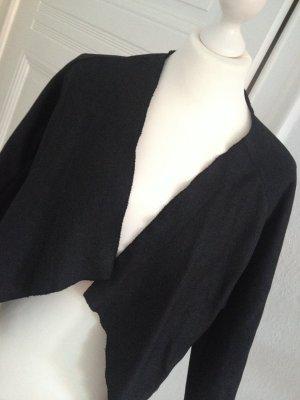 Schwarzes COS-Jacket