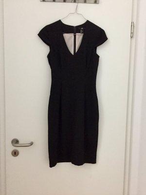 Schwarzes Crêpe Kleid von H&M