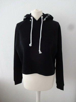 schwarzes cropped Sweatshirt mit kaputze