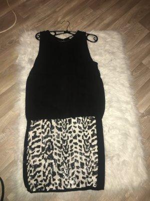 Schwarzes Damenkleid