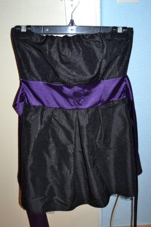 schwarzes elegantes cockteilkleid