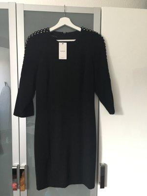 Schwarzes, elegantes Kleid von Mango