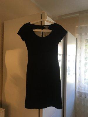 Schwarzes enges Kleid