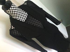 Schwarzes enges Kleid mit Sexy Ausschnitt