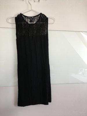 Schwarzes enges Kleid mit spitze