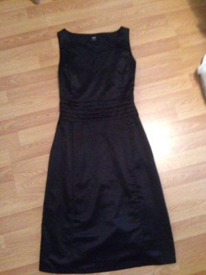 Schwarzes Etui Kleid von Esprit