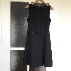 Schwarzes Etui-Kleid von H&M Gr. 38