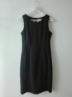 schwarzes Etuikleid von H&M