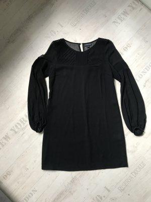 Schwarzes feines Kleid