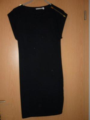 Schwarzes feminines Kleid