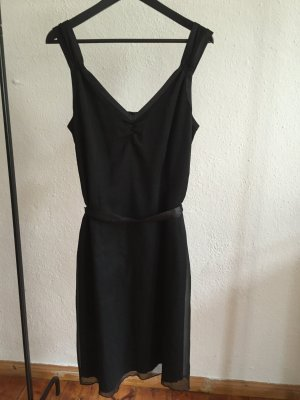 Schwarzes festliches Kleid von Comma