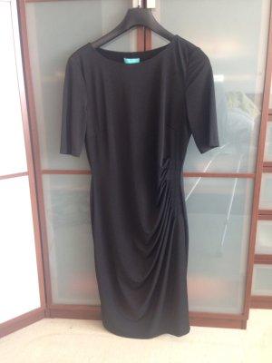 Schwarzes , figurbetontes Kleid von Vivian Ray