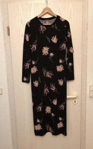 schwarzes (Frühlings-/ Sommer-) Kleid mit Blumenprint