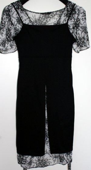 Robe découpée noir pas d'indication de matériau disponible