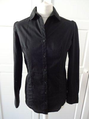 schwarzes Hemd tailliert puffärmel