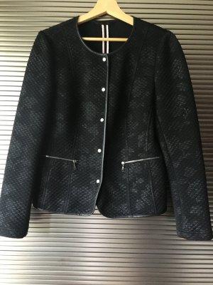 Schwarzes Jäckchen im Stil von Chanel - Basler Gr. 38