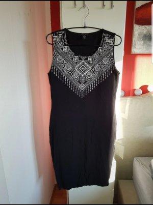 Schwarzes Jersey Kleid mit Applikation