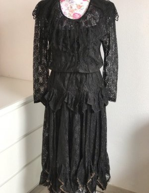 Schwarzes Kleid aus französischer Spitze