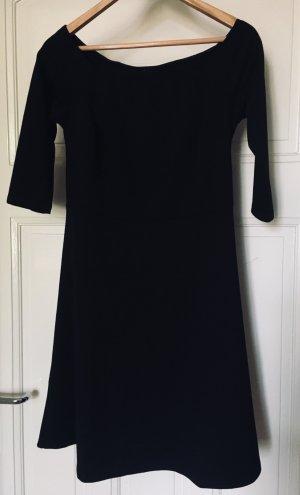 Schwarzes Kleid - Carmenausschnitt mit Dreiviertelärmeln