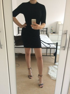 Schwarzes Kleid eng anliegendes mit Kragen Mittelgang und dehnbar Abendkleid und Sommerkleid