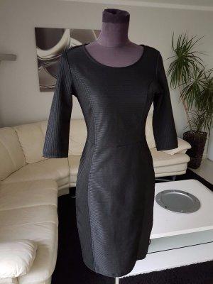 schwarzes Kleid Etuikleid Partykleid Gr. 36/38 dezent glitzernd