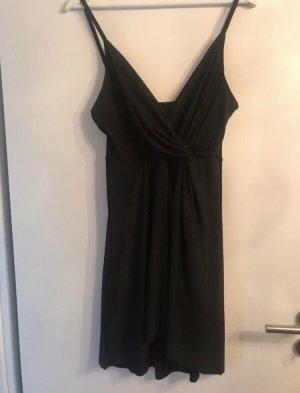 Schwarzes Kleid forever21