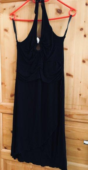 Schwarzes Kleid. Für den Abschluss geeignet
