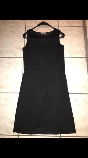 Schwarzes Kleid Größe 34