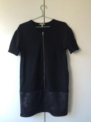 schwarzes kleid im future-look