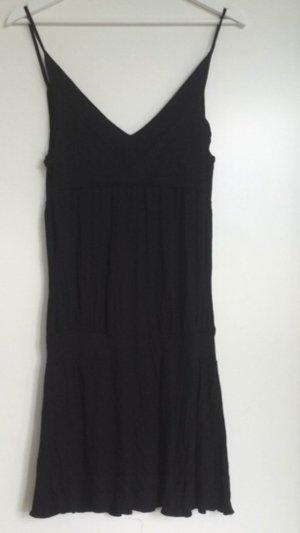 Schwarzes Kleid in einer 38