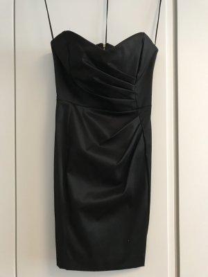 schwarzes Kleid Mango