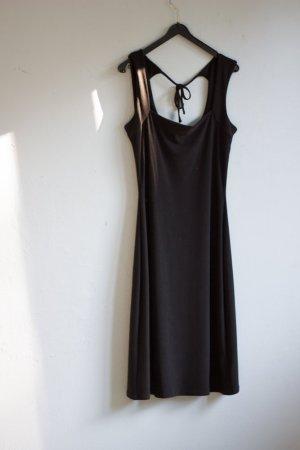 Schwarzes Kleid minimalistisch schlicht Sommer blogger hipster 36/38