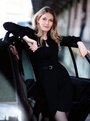 Schwarzes Kleid mir Gürtel von Kaviar Gauche/Zalando