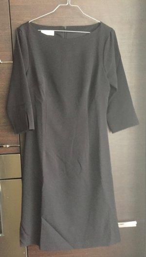 schwarzes Kleid mit 3/4 Ärmeln mit Gürtel - Neu und ungetragen