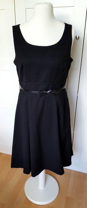 Schwarzes Kleid mit Gürtel, NEU