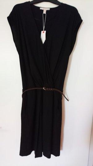 Schwarzes Kleid mit Gürtel von Esprit