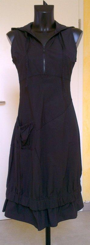 L33 Robe à capuche noir tissu mixte