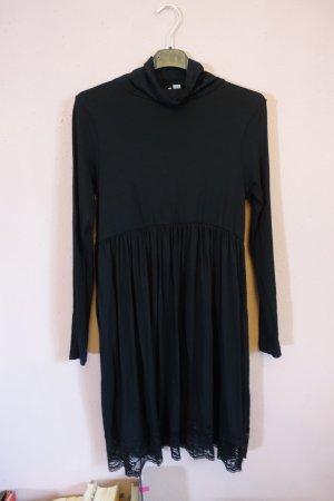 schwarzes kleid mit kragen und spitzeneinsatz am saum, asos petite