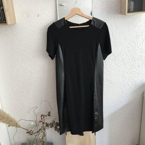 Schwarzes Kleid mit Kunstledereinsätzen von Tchibo
