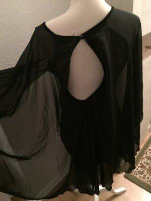 Schwarzes Kleid mit langen Ärmel