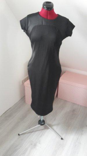 Schwarzes Kleid mit Lederemitateinsätzen Gr. M
