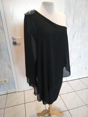 Schwarzes Kleid mit Nieten von Zara
