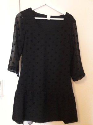 Schwarzes Kleid mit Punkten von Vila in Größe M