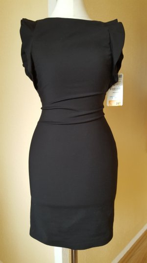 schwarzes Kleid mit Rüschenärmeln