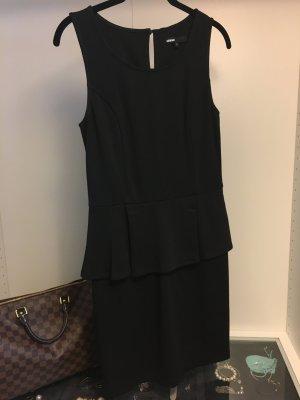 Schwarzes Kleid mit Schößchen Peplum - Black Dress