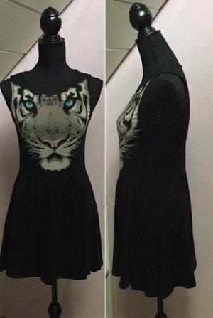Schwarzes Kleid mit Tigerprint von H&M Divided