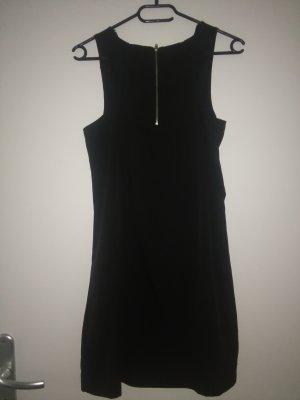schwarzes Kleid mit Wasserfall Ausschnitt