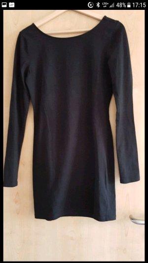 schwarzes Kleid sehr schick